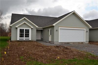 Photo of 10 Woodview Lane, Manchester, NY 14432