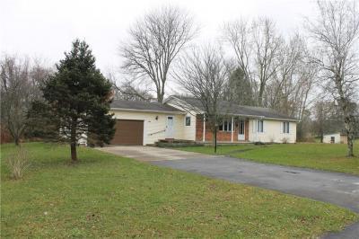 Photo of 6412 East Bethany Leroy Road, Stafford, NY 14143