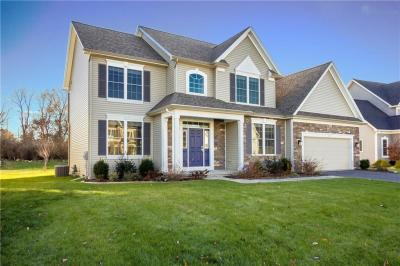 Photo of 19 Sparrow Pointe, Penfield, NY 14526