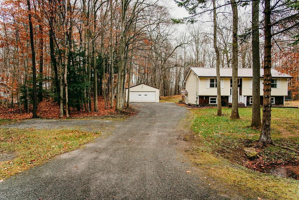 5001 Upper Holley Road, Clarendon, NY 14470