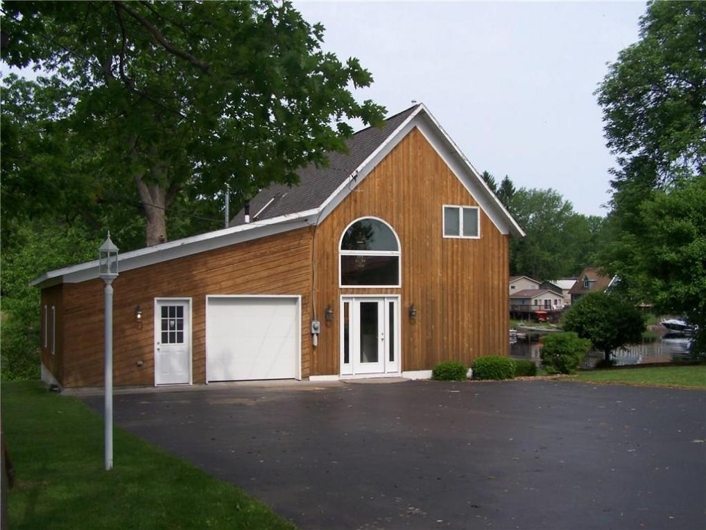 8156 Loon Point Rd/carriage Home #2, Huron, NY 14590
