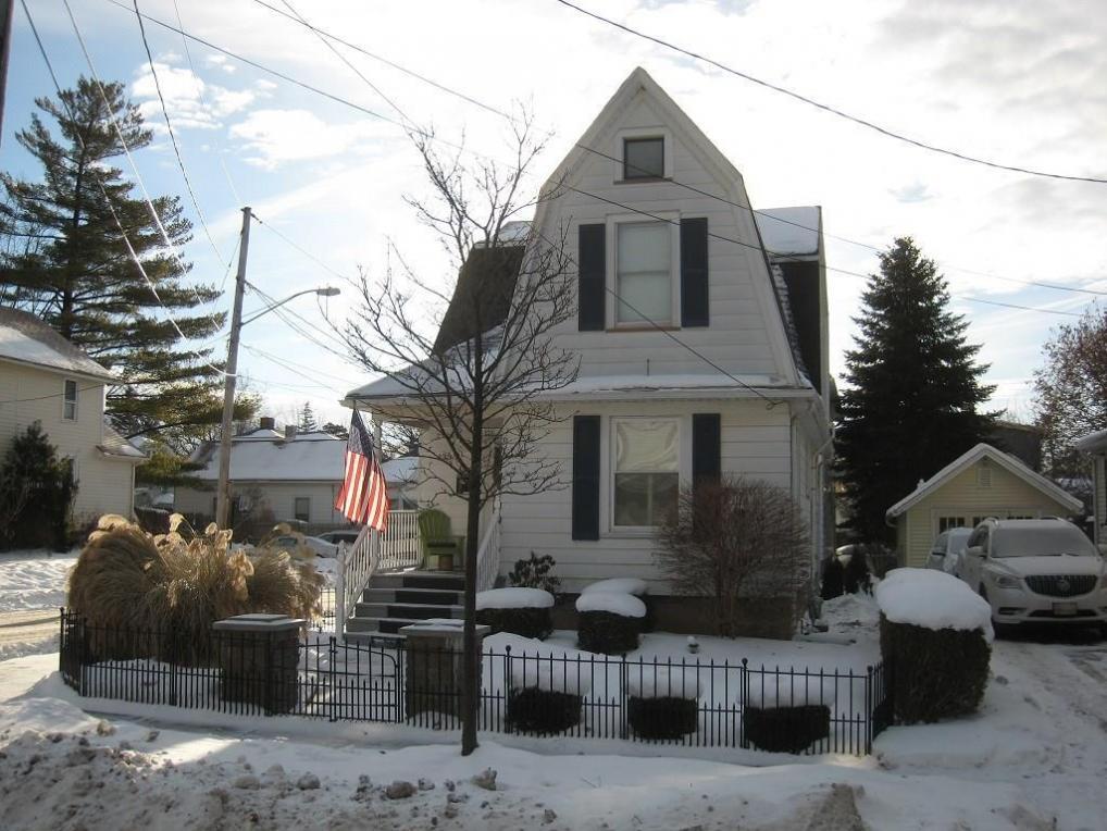 135 W Gibson St, Canandaigua City, NY 14424