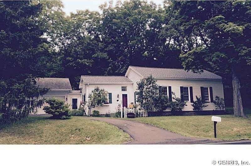 548 County Road 9, Victor, NY 14564