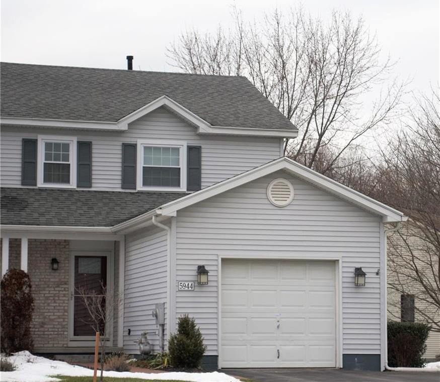 5944 Calm Lake Drive, Farmington, NY 14425