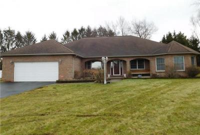 Photo of 6 Cherrymede Crescent, Penfield, NY 14450