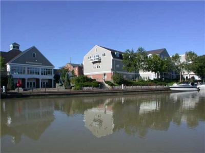 Photo of 210 Packett's Landing, Perinton, NY 14450