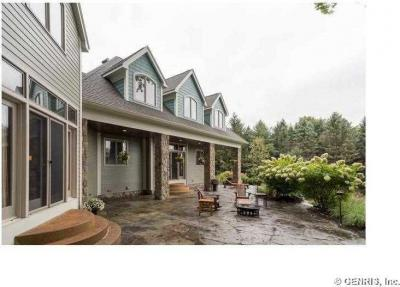 Photo of 2 Fishers Hill Top Dr, Victor, NY 14534