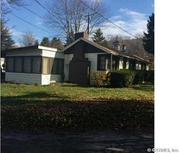 735 East Lake Rd, Barrington, NY 14527
