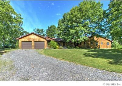 Photo of 4472 Eastview Drive, Fayette, NY 14456