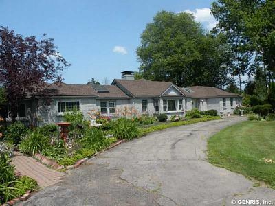 Photo of 1660 Lake Road, Webster, NY 14580