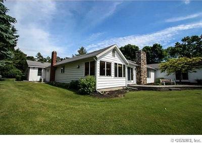 Photo of 3684 Edgewood Dr, Fayette, NY 14456
