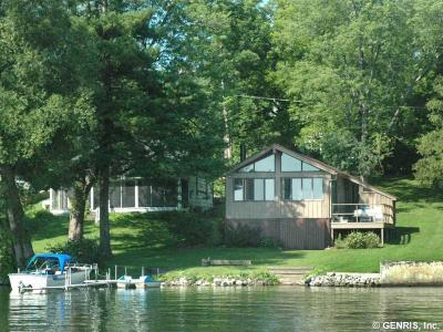 Photo of 4957 Waters Edge Drive, Canandaigua Town, NY 14424