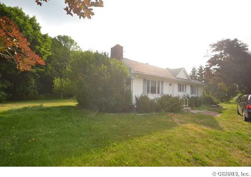 3853 Ridge Road, Williamson, NY 14589