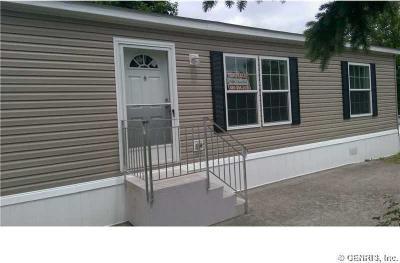 Photo of 321 Oak Tree Drive, Canandaigua Town, NY 14424