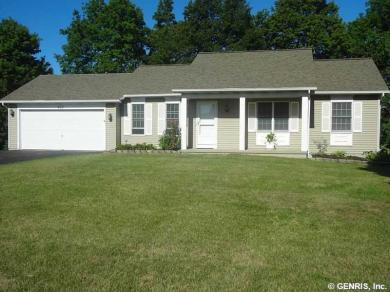 922 Dibbles Trl, Webster, NY 14580
