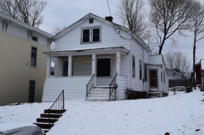 Photo of 89 7th Street East, Oswego City, NY 13126