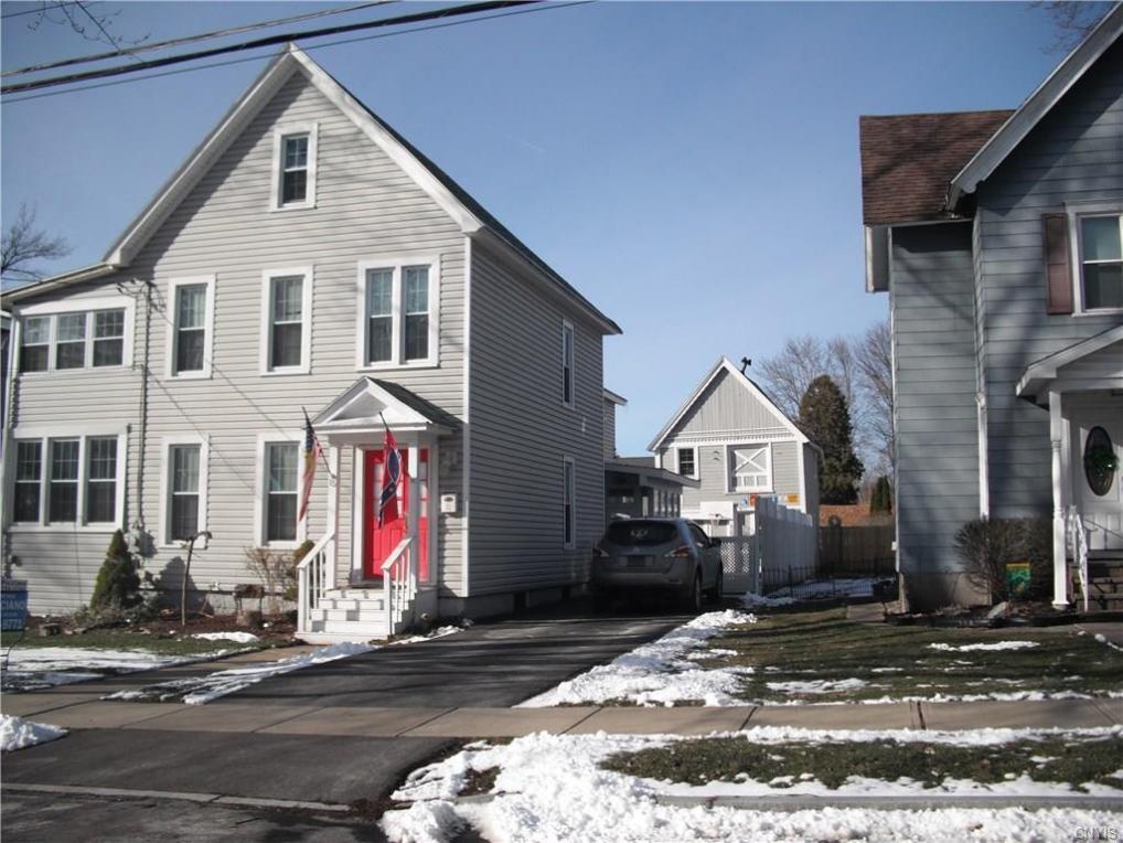 15 Lawton Avenue, Auburn, NY 13021