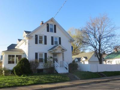 Photo of 401 Lyon Street, Fulton, NY 13069