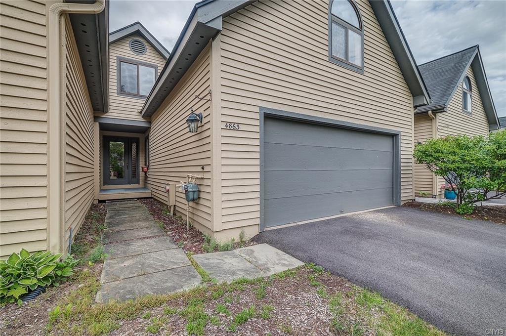 4863 Huntwood Path, Manlius, NY 13104
