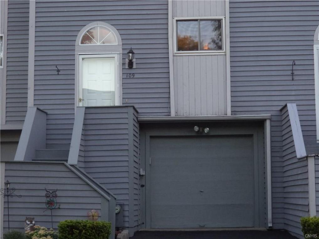 109 Iron Oak Circle, Salina, NY 13088