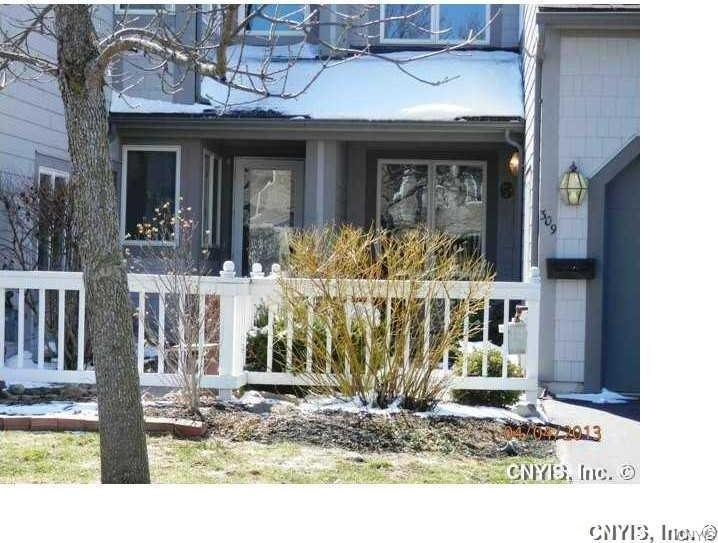 309 Summerhaven Dr N, Manlius, NY 13057