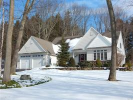61 Seven Pines Drive, Oswego Town, NY 13126
