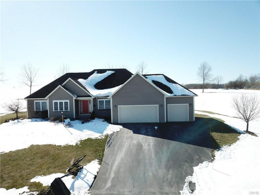 1 Sweetwater Way, Fleming, NY 13021