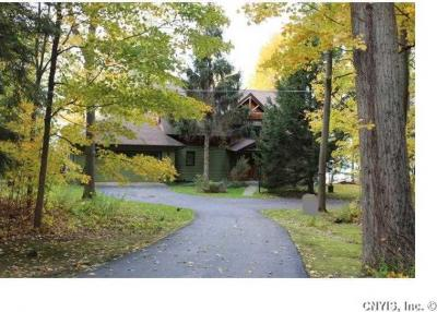 Photo of 38266 White Oaks Ln, Clayton, NY 13624