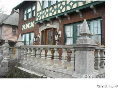 Photo of 1504 James St, Syracuse, NY 13203