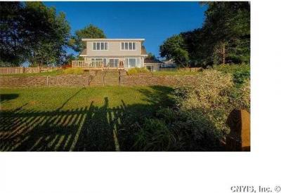 Photo of 1242 Greenfield Ln, Skaneateles, NY 13152