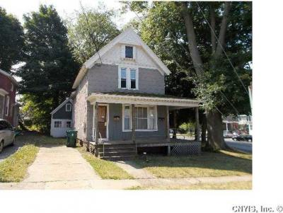 Photo of 4 Lawrence Street, Oswego City, NY 13126