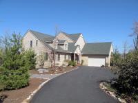 102 Meenesink Lane, Pocono Pines, PA 18350