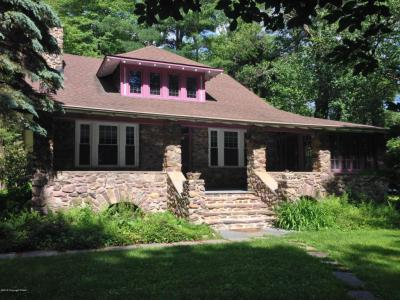 Photo of 5136 Woodland Ave, Pocono Pines, PA 18350