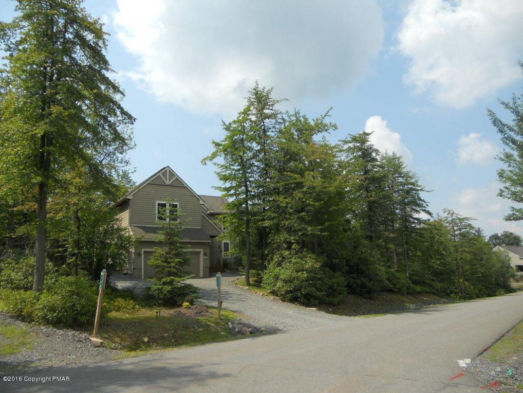 538 Pinecrest Dr, Pocono Pines, PA 18350