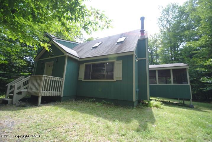 174 Marthas Ln, Pocono Lake, PA 18347