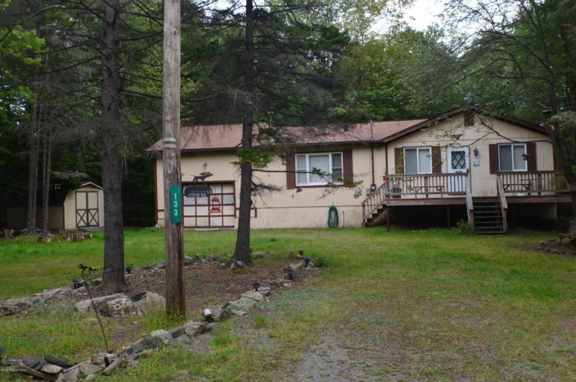 133 Mahoning Dr, Pocono Lake, PA 18347
