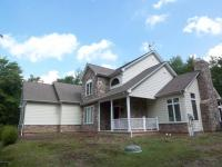 166 Wolf Hollow Rd, Lake Harmony, PA 18624