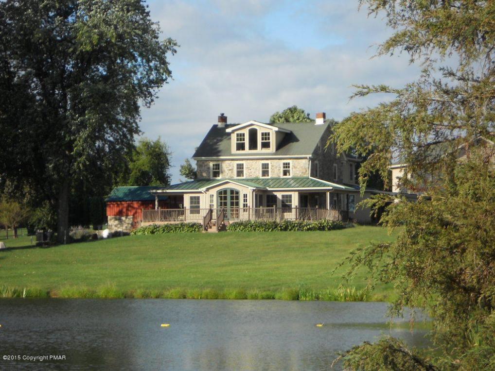 Land Of The Lakes Property Acres With Barn Apartment