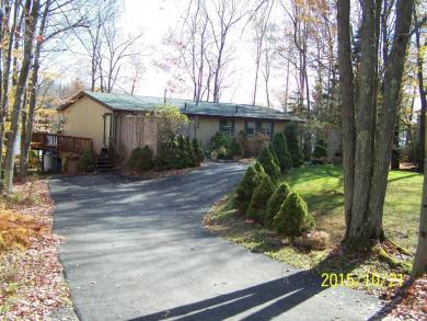 258 North Arrow Dr, Pocono Lake, PA 18347