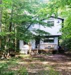 5129 Winamac Dr, Pocono Lake, PA 18347