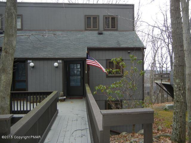 82 Cross Country Ln, Tannersville, PA 18372