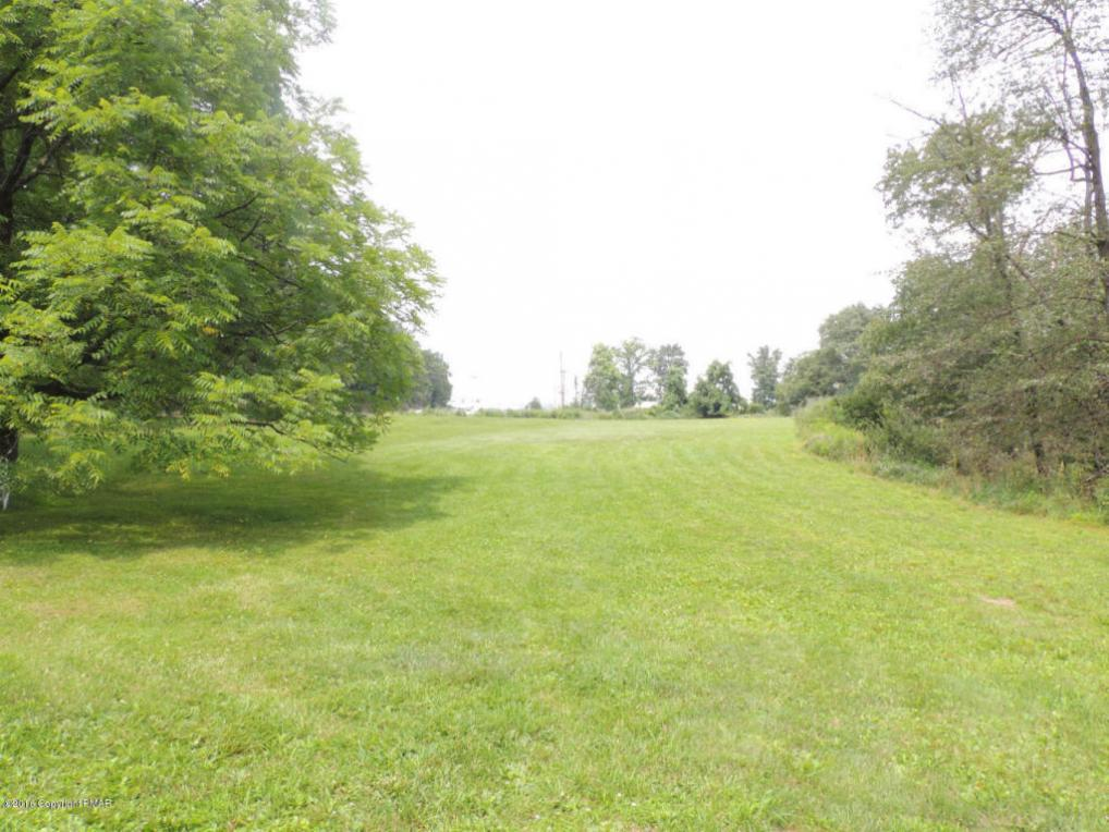 2039 611 Rte, Swiftwater, PA 18370