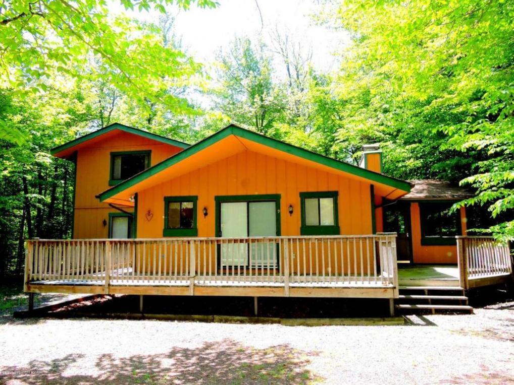 1125 Cedar Knoll Way, Pocono Pines, PA 18350