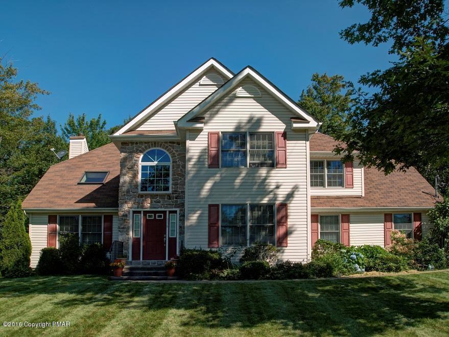 116 Maple Ave, Mount Pocono, PA 18344