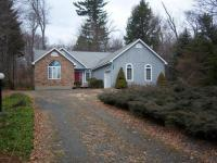 2202 Pine Valley Dr, Tobyhanna, PA 18466