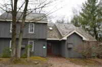 74 Mill Run, Lake Harmony, PA 18624