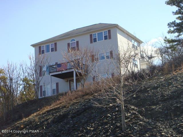 124 Greenwich Drive, Bushkill, PA 18324