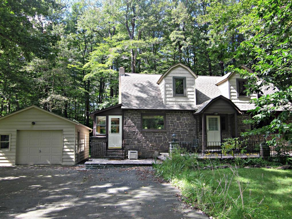 215 Warnertown Rd. Rte 423, Pocono Pines, PA 18350