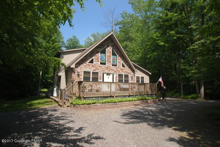 326 Ridge Rd, Pocono Lake, PA 18347