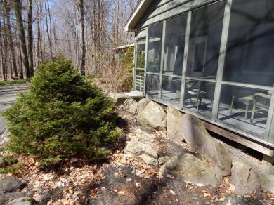 1322 Pine Cone Rd, Pocono Pines, PA 18350